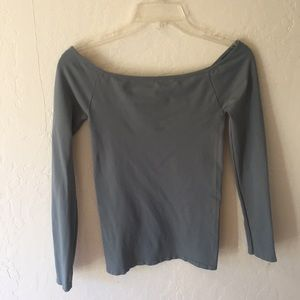 Off shoulder stretchy long sleeve